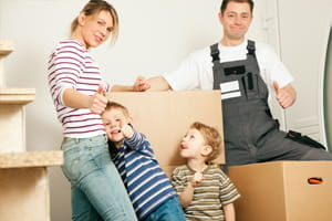 Moving-House-with-Family